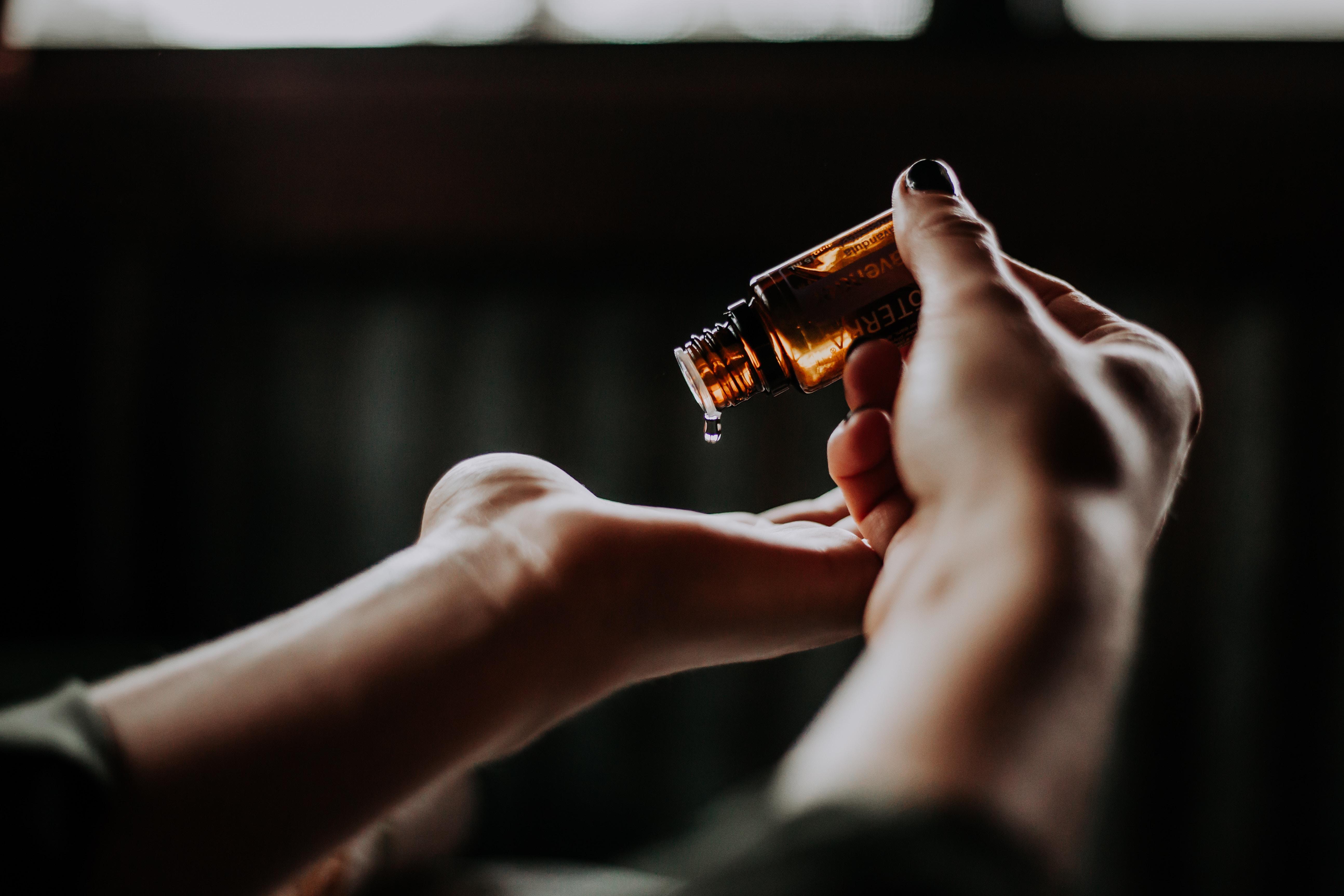 L'huile, un gant invisible en thérapie